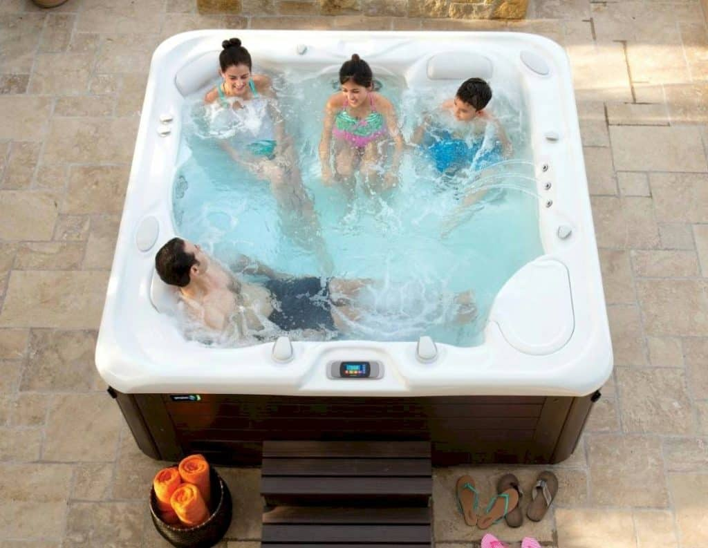 Spa pool for winter
